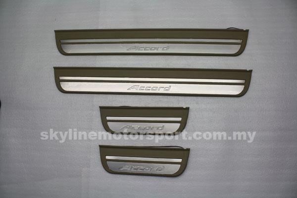 Honda Accord – 08 door step EL light
