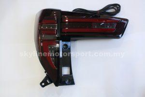 Toyota Innova 16-17 Led T-L Light Bar Black R/C
