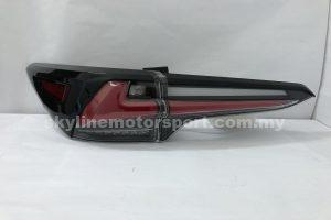 Toyota Fortuner 17-19 LED T/L Light Bar Black (WSRF)